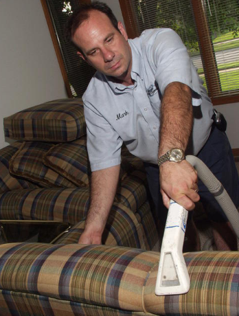 Professional Upholstery Cleaner Elkhart, IN
